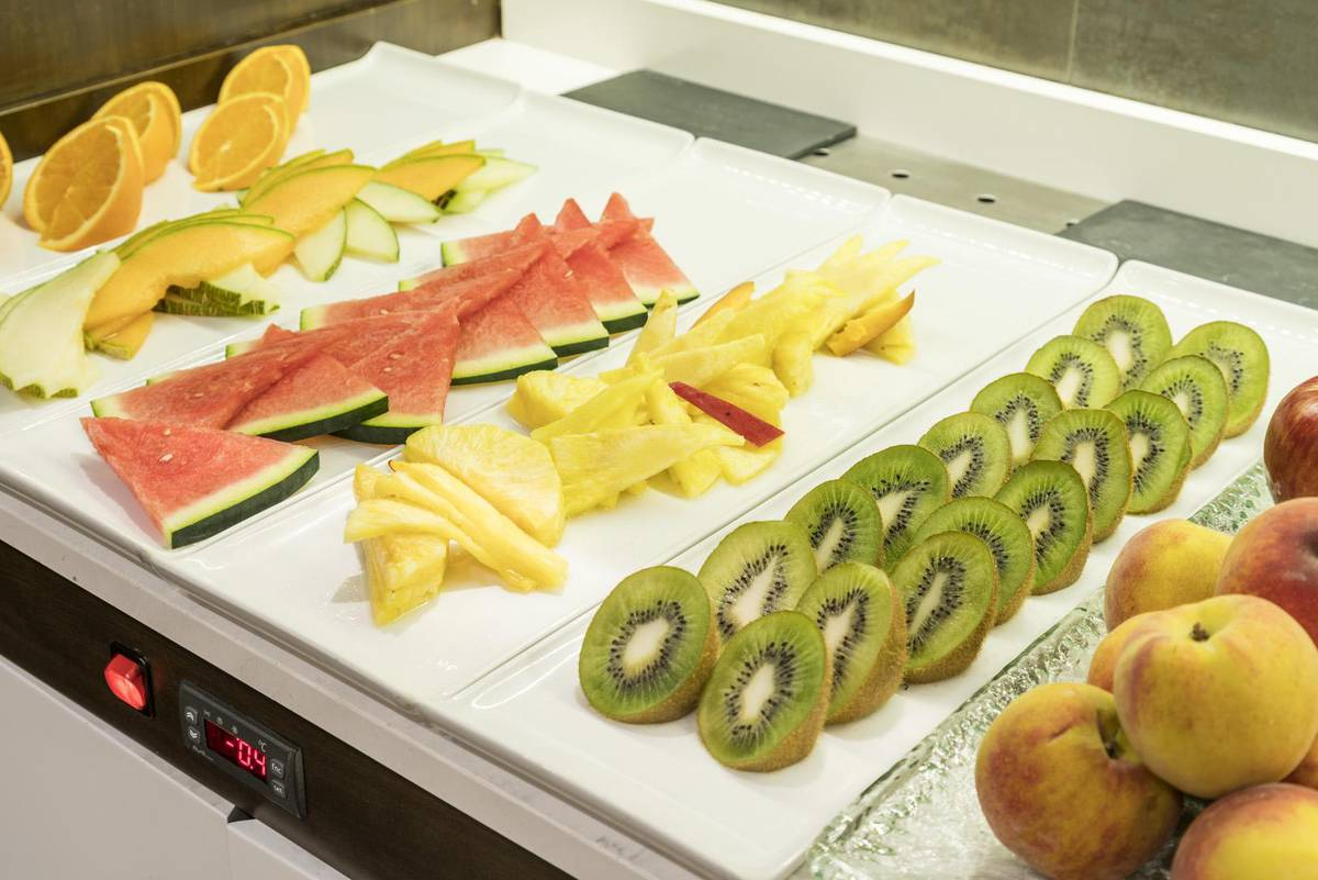 Colazione a buffet ilunion suites madrid hotel ilunion suites madrid